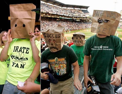 pirates-fans.jpg