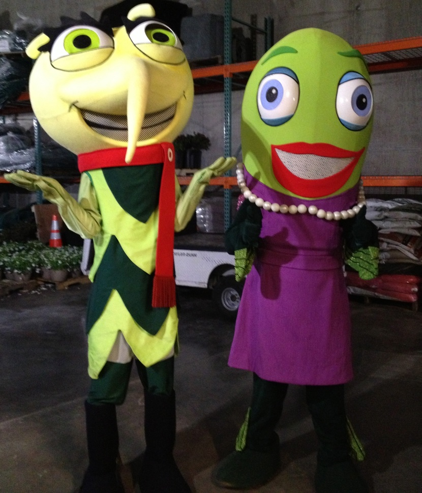 42513 Skeeta and Wanda costumes
