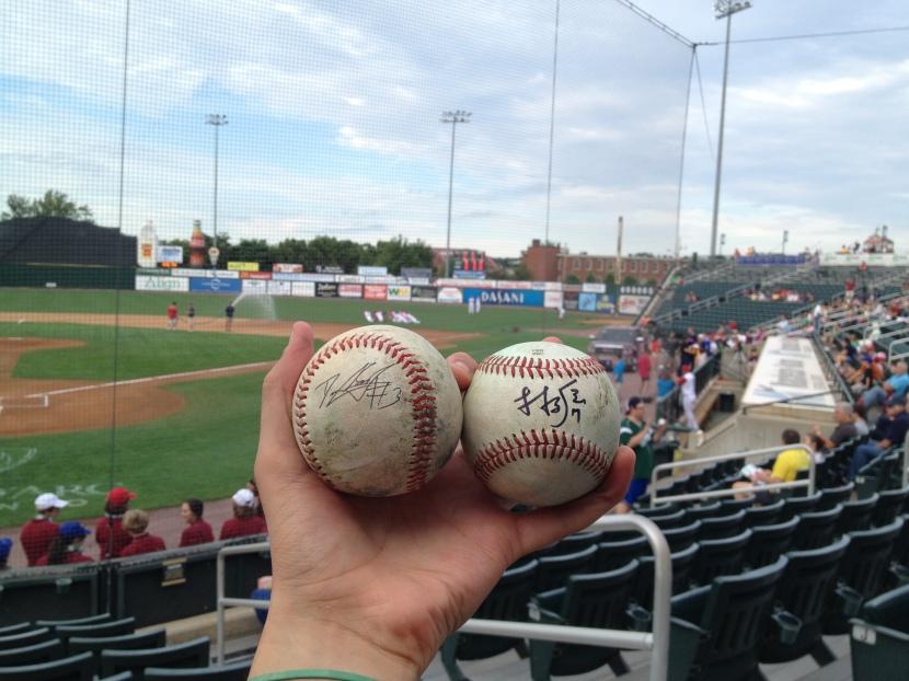 71213 Signed Baseballs