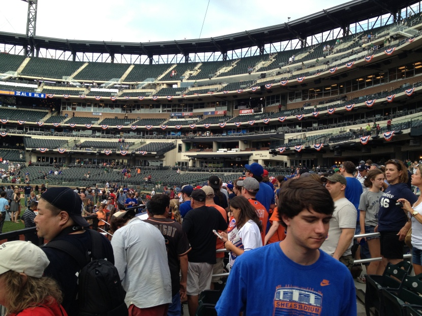 71413 Crowd