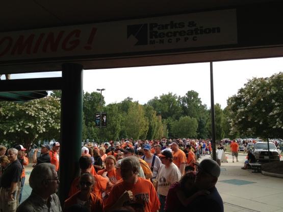 81813 Crowd 2