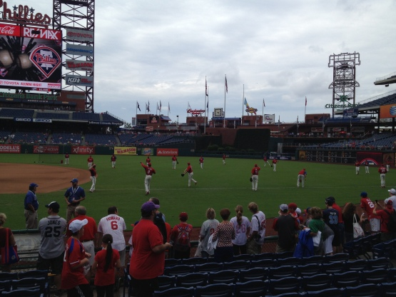 8313 Phillies throwing