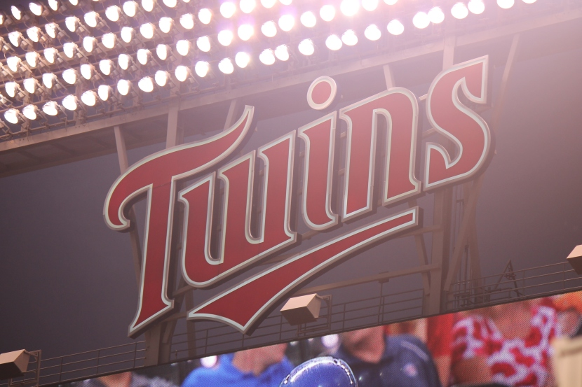 9613 Twins Logo