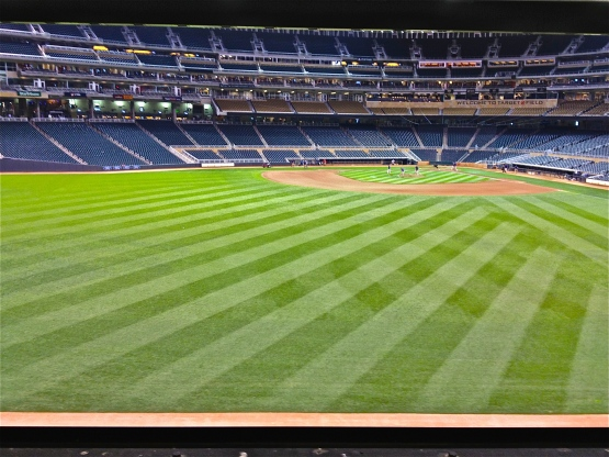 91113 Empty Stadium