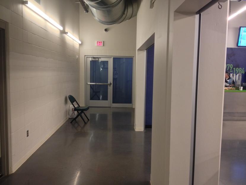 92513 Lounge door